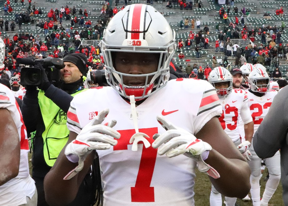 Ohio State football linebacker Teradja Mitchell