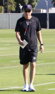 Washington Huskies coach Chris Petersen