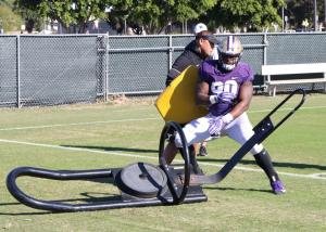Washington defensive lineman Josiah Bronson